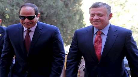 صورة أرشيفية للملك الأردني عبد الله الثاني والرئيس المصري عبد الفتاح السيسي