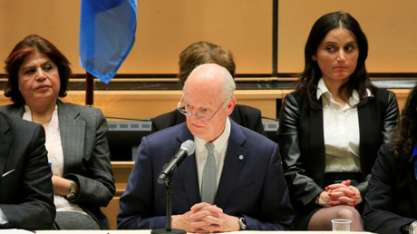 المبعوث الأممي الخاص إلى سوريا، ستيفان دي ميستورا، يلقي كلمة خلال مراسم افتتاح مؤتمر جنيف-4