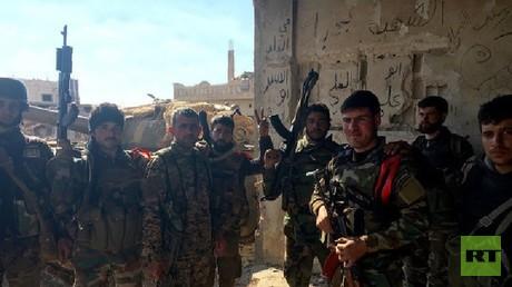 عسكريون في الجيش السوري في محافظة درعا