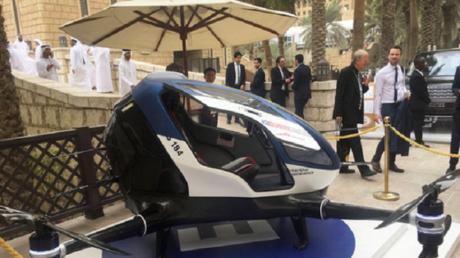 """دبي تسبق العالم وتشغل """"التاكسي الطائر"""""""