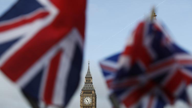 لجنة نيابية بريطانية توصي بتحسين العلاقات مع روسيا