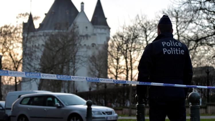اعتقال سائق سيارة تحمل عبوتي غاز في بروكسل