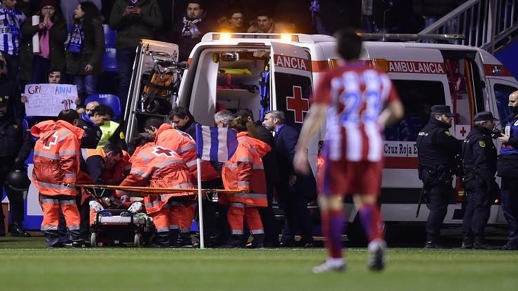 بالفيديو.. إصابة خطيرة لفيرناندو توريس بعد اصطدام قوى بأرض الملعب