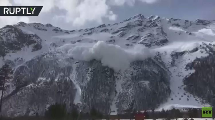 مشهد مرعب لانهيار ثلجي روسيا ابتلع 4 أشخاص