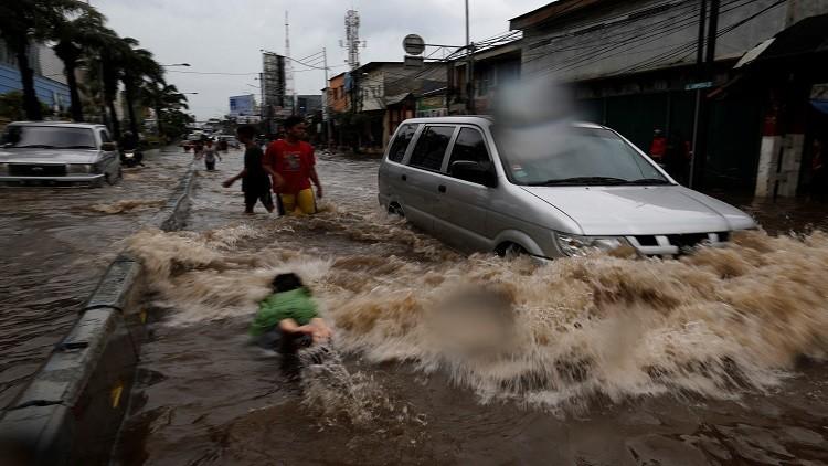 4 قتلى بفيضانات في إندونيسيا
