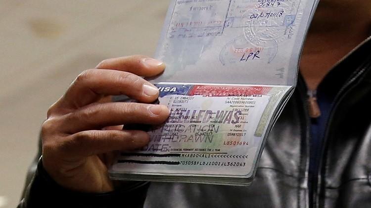 واشنطن تعلق العمل بنظام التأشيرات العاجلة