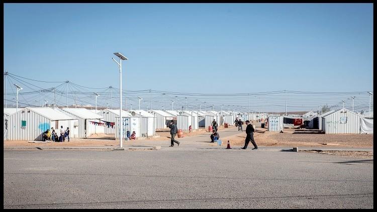 فرنسا تقدم إغراءات للتخلص من اللاجئين