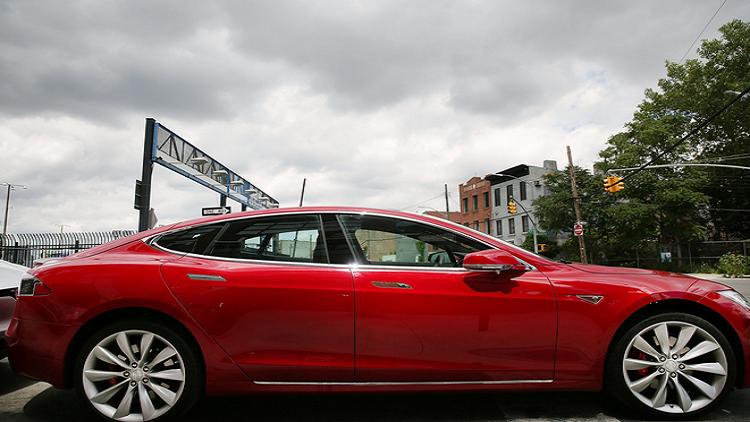 نيويورك: 2000 دولار مقابل شراء سيارات كهربائية