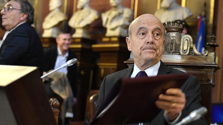 جوبيه ينفي ترشحه للرئاسة ويصف فرنسا بـ