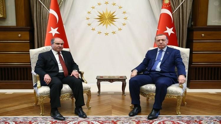 أردوغان يستقبل رئيس الوزراء الأردني في أنقرة