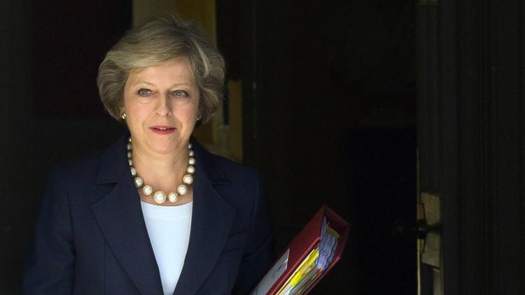 ماي لا تعتزم إجراء انتخابات مبكرة في بريطانيا