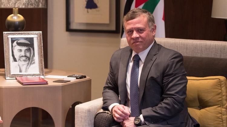 عاهل الأردن يبحث مع مسؤولَيْن أمريكيين مكافحة الإرهاب