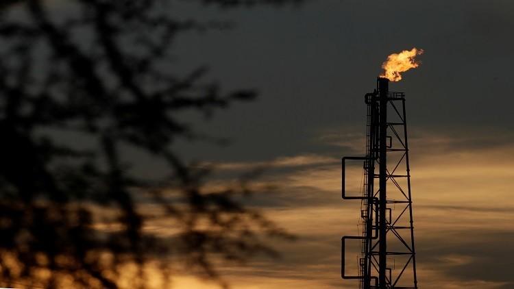 النفط يسجل أكبر خسارة في 3 أيام خلال عام