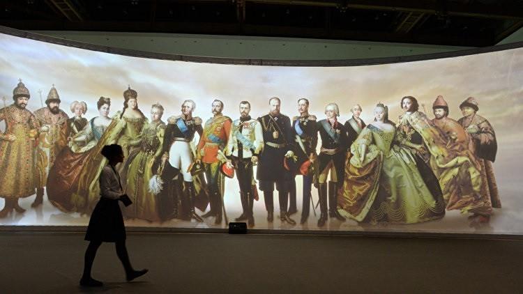 افتتاح معرض تاريخ الموضة الرجالية في موسكو