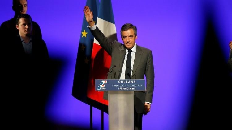 فيون يقلص الفارق بينه وبين ماكرون في الانتخابات الرئاسية الفرنسية