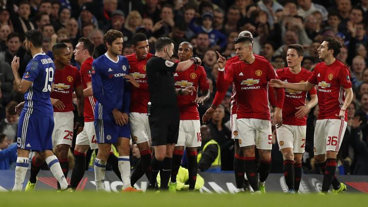 الاتحاد الإنجليزي يتهم يونايتد بعدم السيطرة على لاعبيه أمام تشيلسي