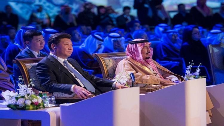 الملك سلمان يصل الصين في أول زيارة منذ توليه الحكم