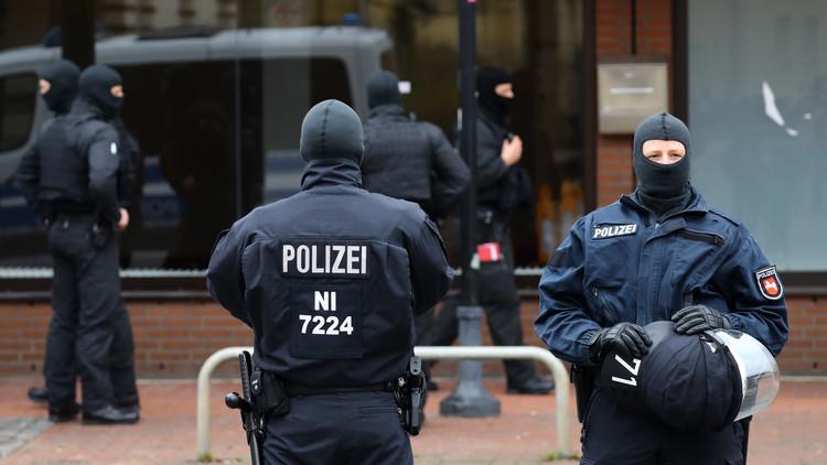 مجهول يهاجم بنكا في دويسبورغ بألمانيا ويحتجز رهائن
