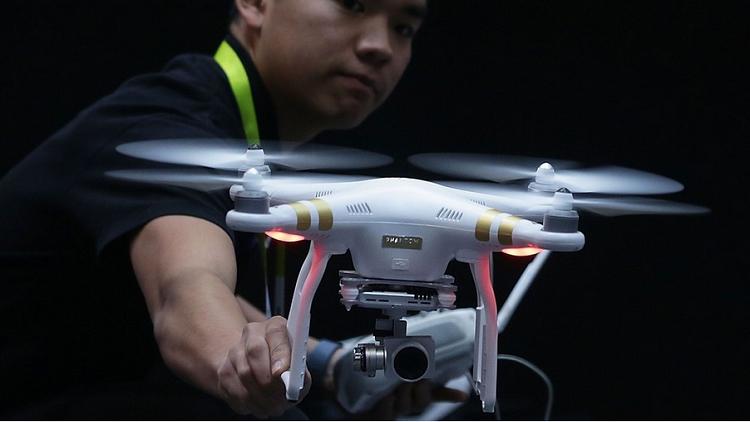 الصين تستخدم بنادق خاصة لإسقاط طائرات الدرون