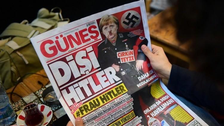صحيفة تركية تنشر صورة لميركل على هيئة هتلر