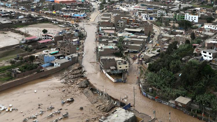 72 قتيلا ودمار هائل جراء الفيضانات في بيرو