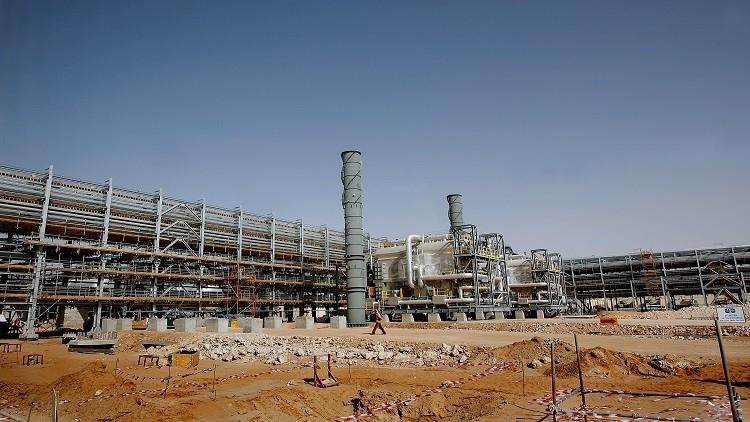 النفط يعود لمجراه بين القاهرة والرياض