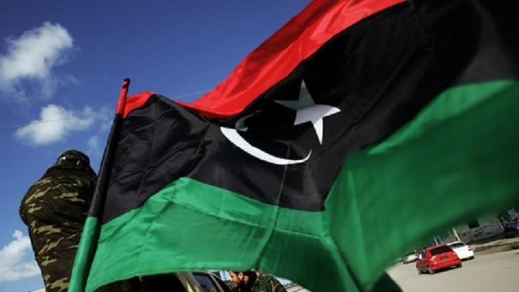 المجلس الرئاسي الليبي يرضخ للمحتجين ويدين تهديدات حفتر