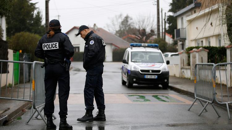 والد منفذ هجومي باريس: ابني لم يكن يصلي