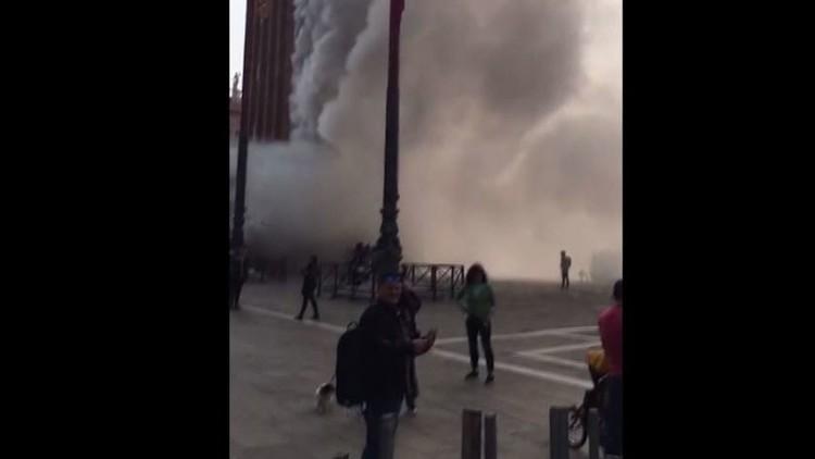 قنابل الدخان تثير الرعب في مدينة البندقية
