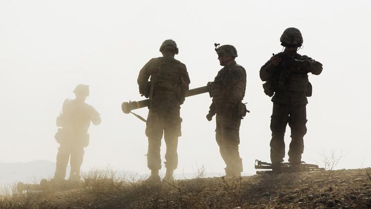 مقتل جندي أفغاني بعد إطلاقه النار على عسكريين أمريكيين