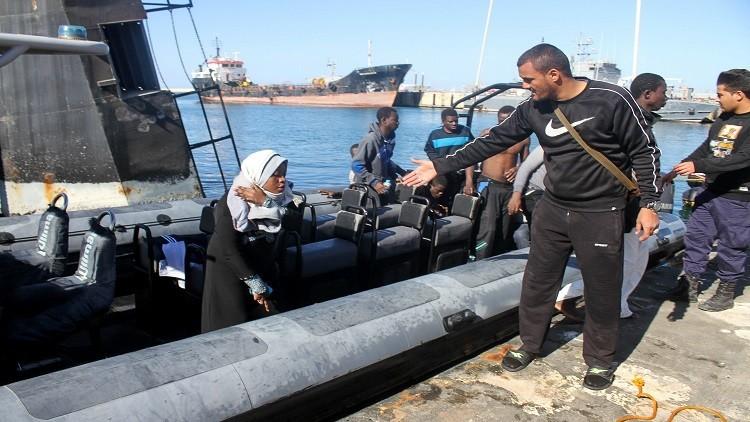 خفر السواحل الليبي ينقذ 215 مهاجرا في المتوسط