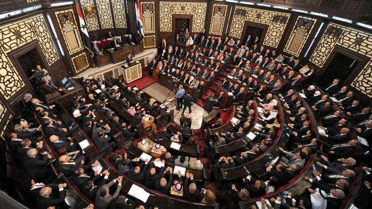 وفد نيابي تونسي يبحث في دمشق إعادة العلاقات