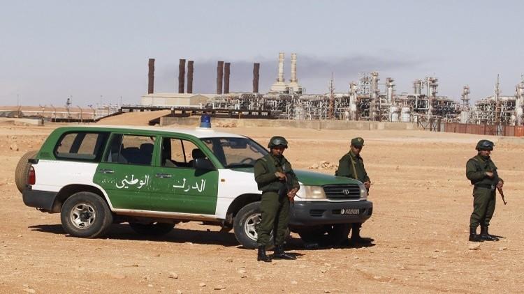 الجيش الجزائري يوقف 7 عناصر إرهابية