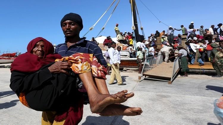 الإمارات تنفي استهداف قواتها قاربا يقل لاجئين