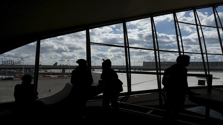 أمريكا ستحظر الأجهزة الإكترونية داخل بعض الطائرات