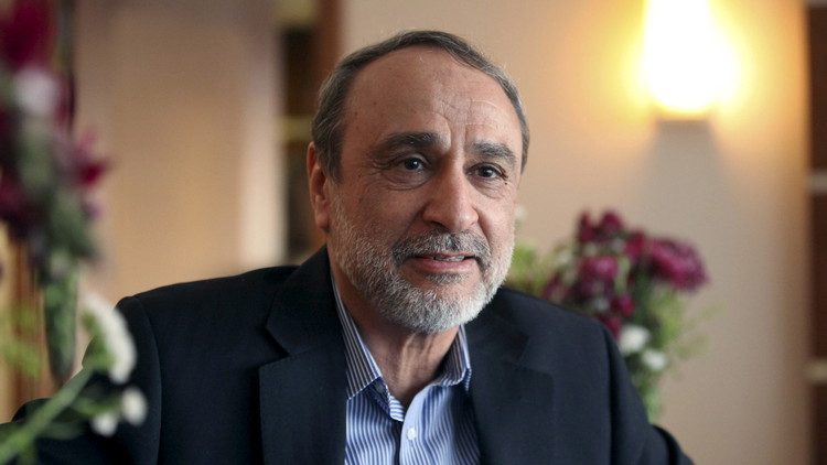 نائب بالبرلمان الأوروبي يتهم مسؤولا ليبيا بالتنسق مع