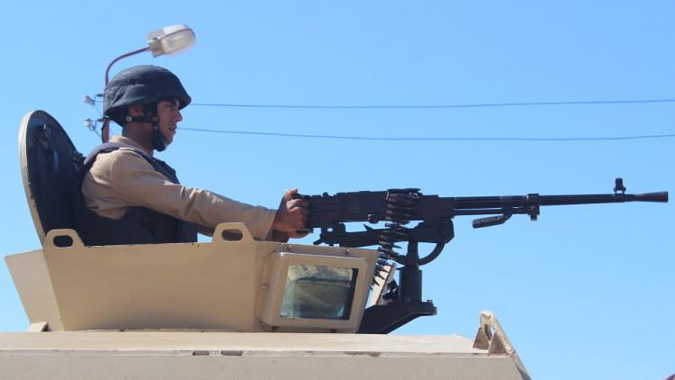 مقتل 10 عسكريين مصريين و15 إرهابيا في سيناء
