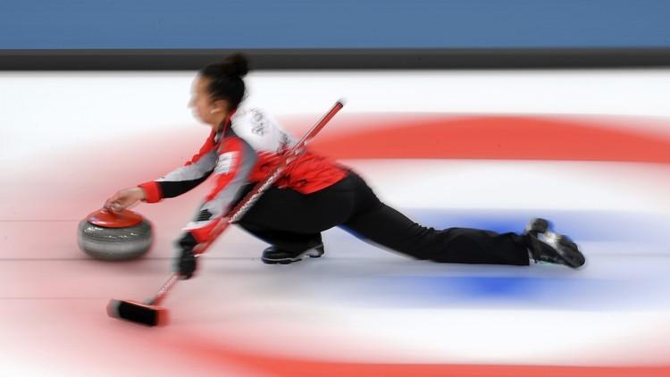 كندا تحقق 11 انتصارا متتاليا في بطولة العالم للكيرلينغ