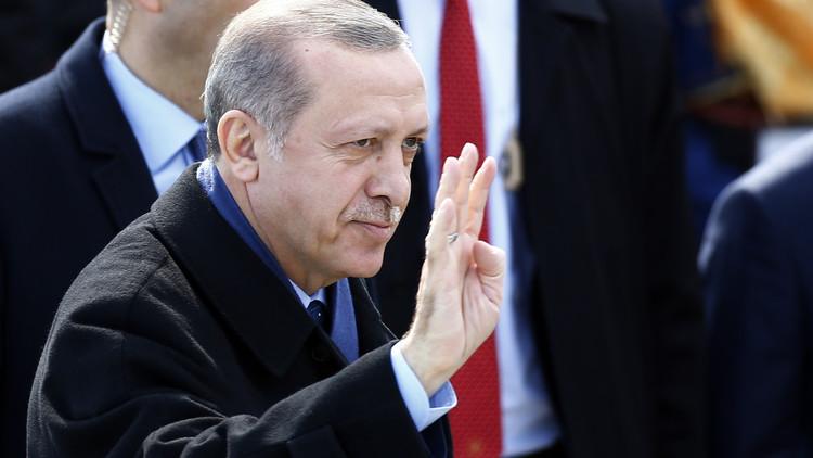 أردوغان: سأعتبركم نازيين طالما تعتبرونني ديكتاتورا!
