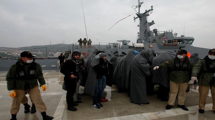 أنقرة تبشر أوروبا بـ 3 ملايين لاجئ معظمهم أفغان إذا استمرت على موقفها