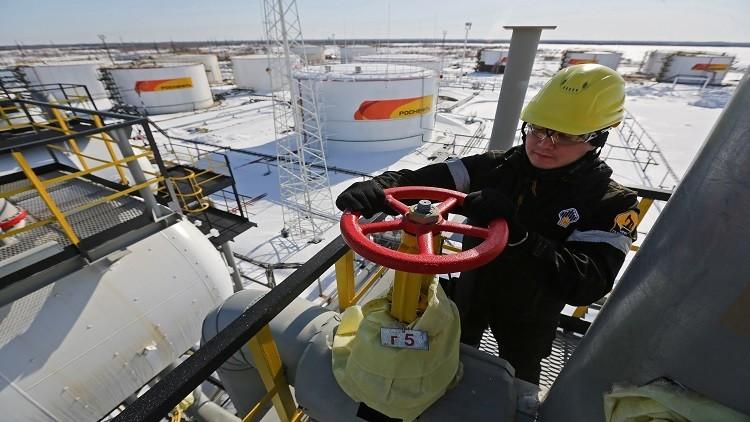 روسيا راضية عن نتائج اجتماع لجنة مراقبة اتفاق تخفيض انتاج النفط العالمي