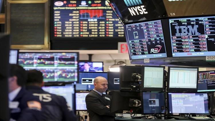 التشكيك بخطط ترامب يهوي بالأسهم الأمريكية