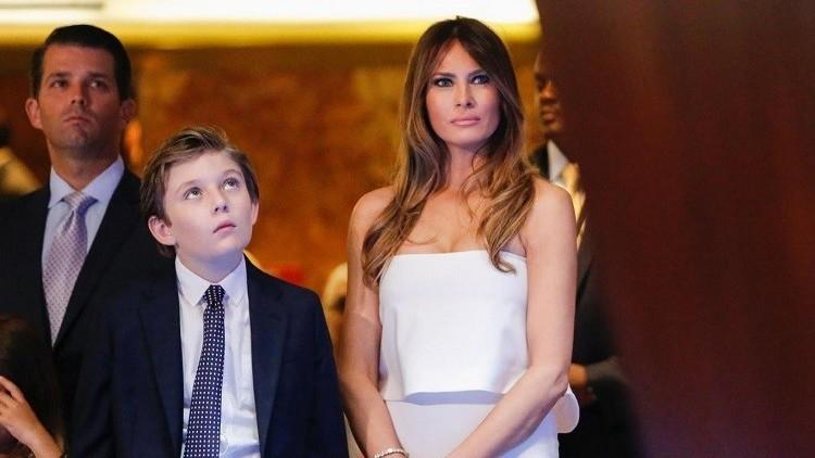 120 ألف أمريكي يطالبون زوجة ترامب بالانتقال إلى البيت الأبيض