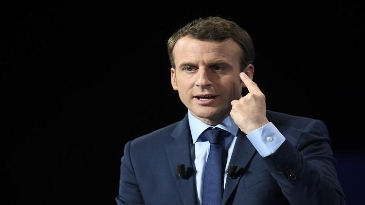 ماكرون يعد بوزراء نصفهم نساء حال انتخابه رئيسا لفرنسا