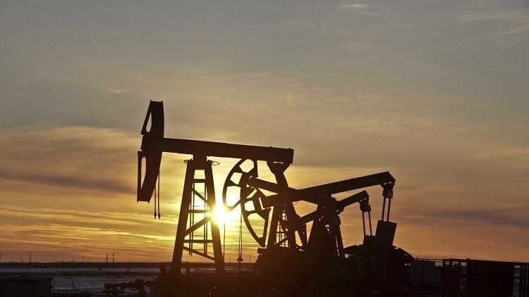 النفط يرتفع لليوم الثاني على التوالي