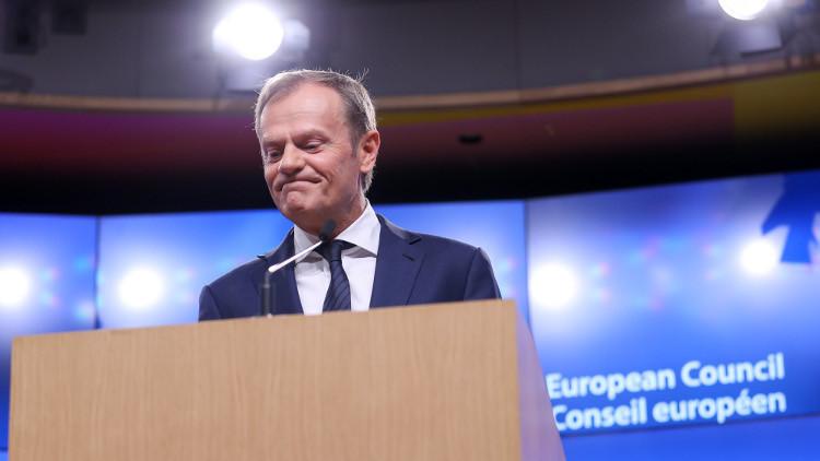 توسك: دول الاتحاد الأوروبي متمسكة بالوحدة وستعمل على تخفيف عواقب الـ