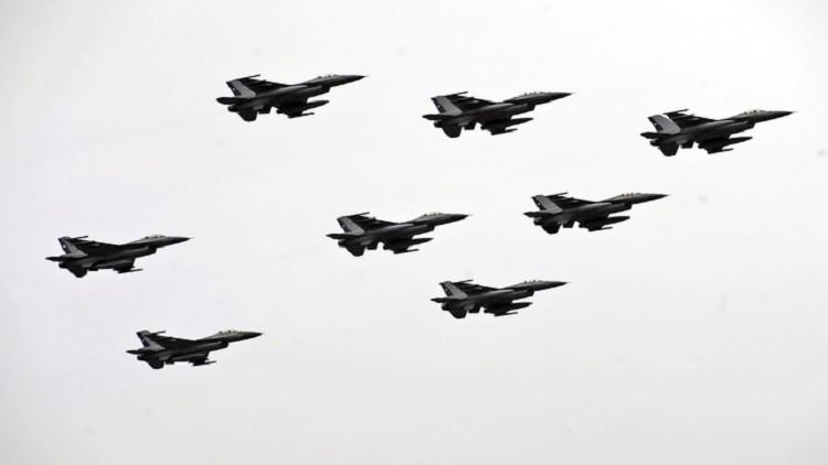 إدارة ترامب تعتزم بيع مقاتلات إف-16 للبحرين