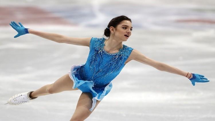 ملكة الجليد الروسية مدفيديفا تتصدر البرنامج القصير في بطولة العالم