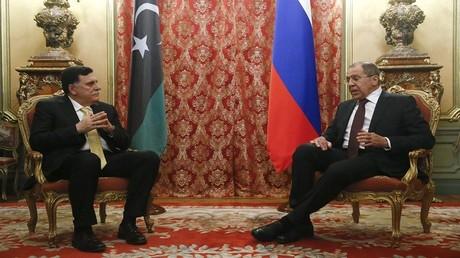 رئيس حكومة الوفاق الوطني فايز السراج مع وزير الخارجية سيرغي لافروف موسكو 2/3/2017