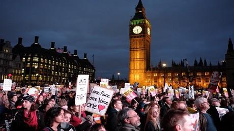 بريطانيا تتخلص من دفع 60 مليار يورو